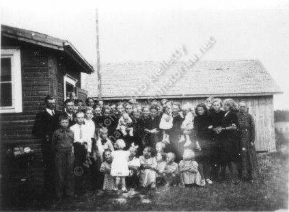 Vieno Laaksosen hautajaisissa 1941 Laaksosella otettu kuva